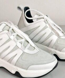Sneakers in camoscio con inserti vitello bianco
