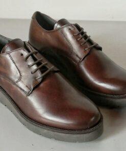 Scarpe marrone con lacci