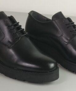 Scarpe nero con lacci