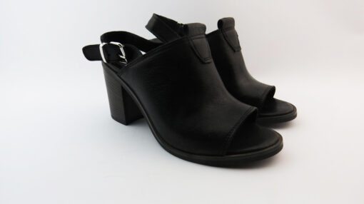Sandali in pelle spuntati nero tacco 80
