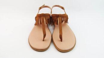 Sandali bassi infradito in pelle camoscio cuoio con frange e cinturino