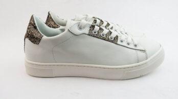 Sneakers colore bianco allacciate con glitter bronzo
