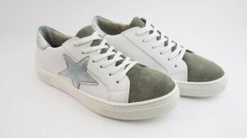 Sneakers colore bianco allacciate con stella con talloncino laminato grigio