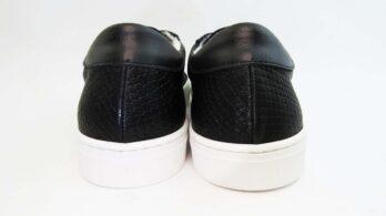 Sneakerscolore nero stampa cocco allacciate con stella nera
