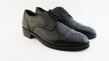 Scarpe stringate in pelle colore nero