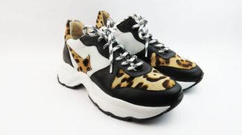 Sneakers running con stella laterale maculata e suola big