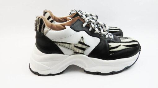Sneakers running con stella laterale zebrata e suola big