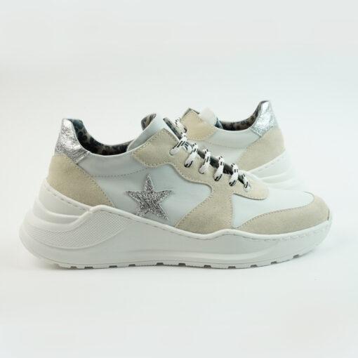 Sneakersrunning con suola big colore bianco con stella laterale argento