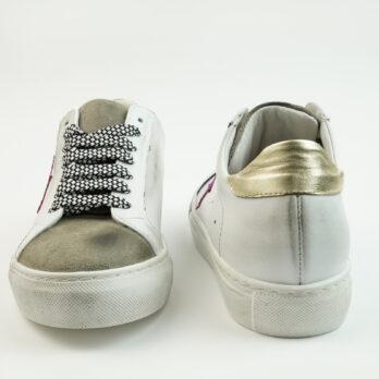 Sneakersbasse in pelle colore bianco con stella glitter fuxia e punta camoscio taupe