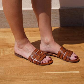 Ciabatte in vera pelle da passeggio fasce intrecciate colore cuoio tacco 1 cm
