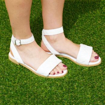 Sandali bassi in vera pelle con cinturino colore bianco tacco 1 cm