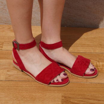 Sandali bassi in camoscio con cinturino colore rosso tacco 1 cm