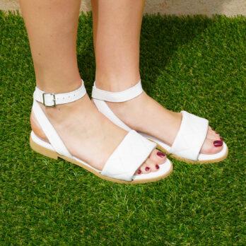 Sandali bassi in vera pelle con cinturino colore vernice bianco tacco 1 cm