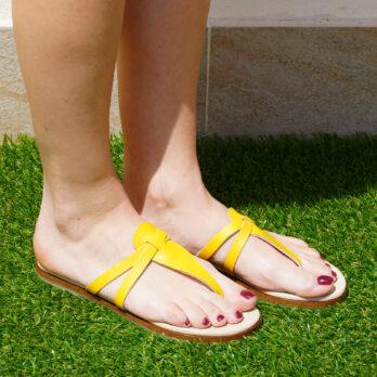 Infradito in vera pelle colore giallo tacco 1 cm