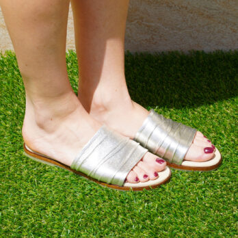Ciabatte in vera pelle colore laminatoargento tacco 1 cm