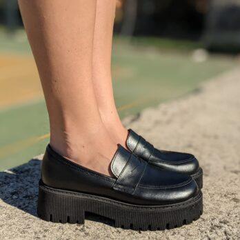 Mocassini in vera pelle colore nero con suola big