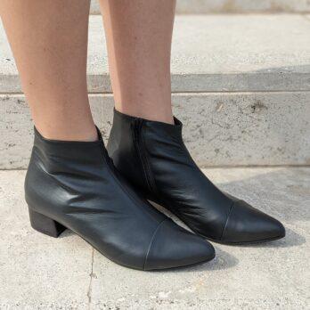 Stivaletti donna in nappa colore nero con zip laterale